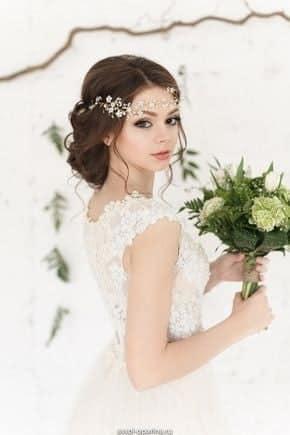 Сватбени прически с прибрана коса